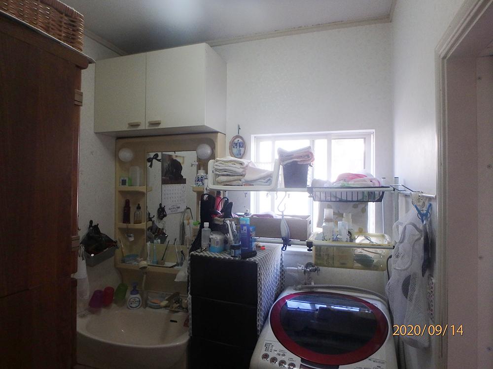 リフォーム前の洗面室。