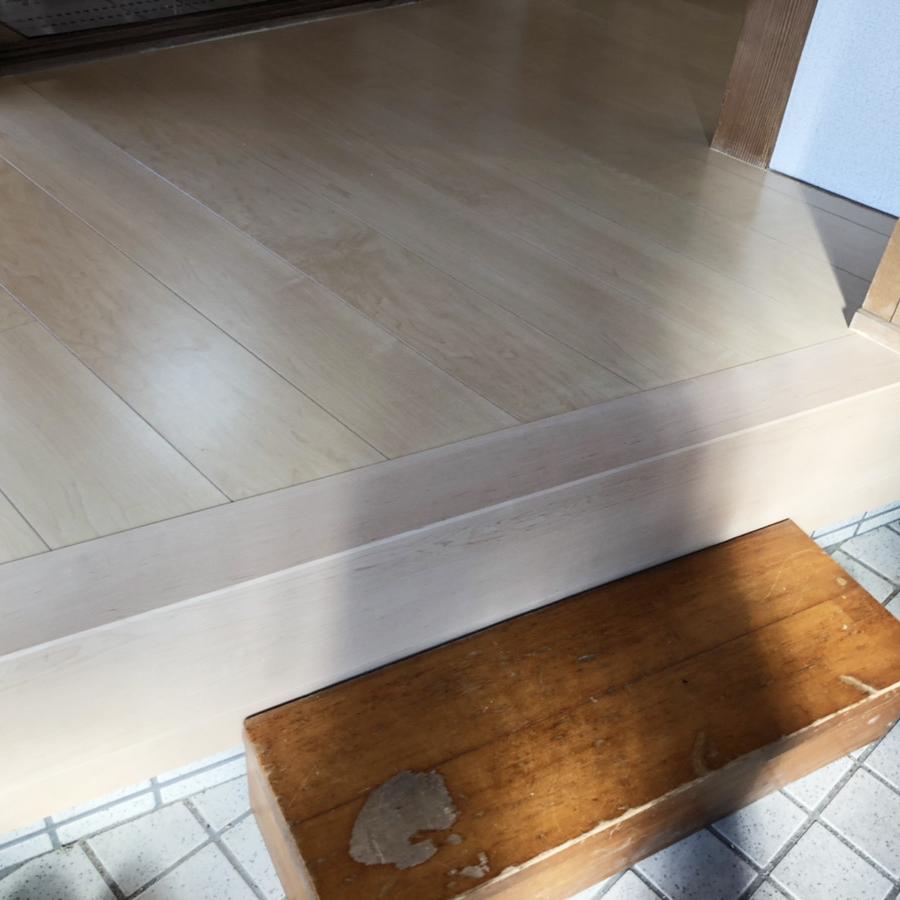 白い色の床をセレクトされ、空間が明るくなりました。