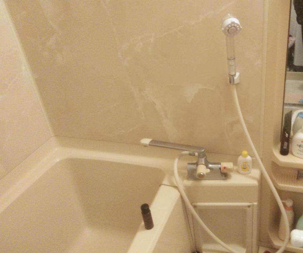リフォーム前の浴室。