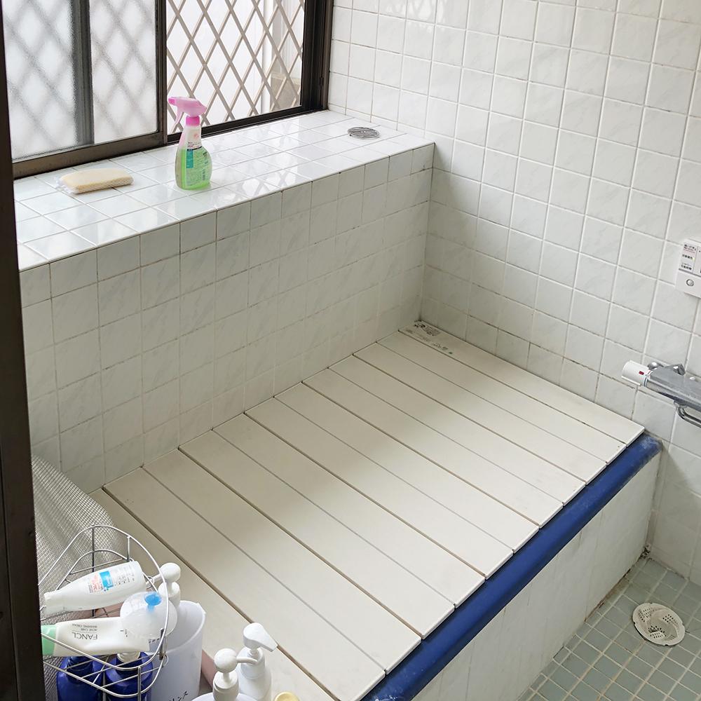 タイル貼りの在来工法の浴室。<br />冬は寒く感じていました。<br />