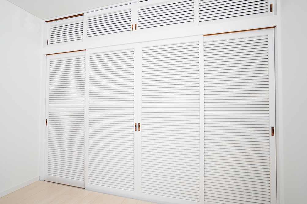 扉は、内装に合わせて白色に塗装しました。