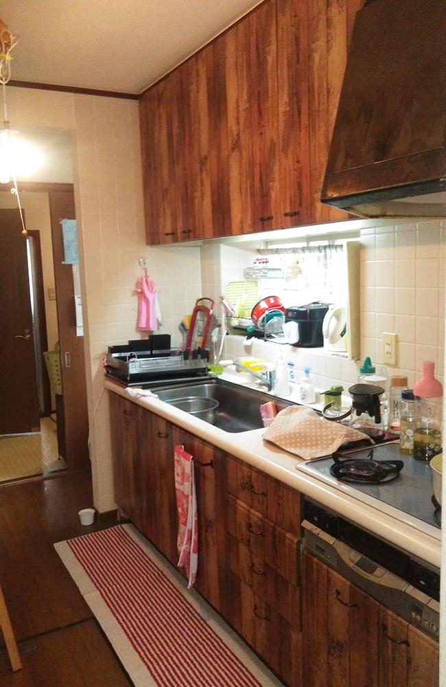 長く使われたキッチン。