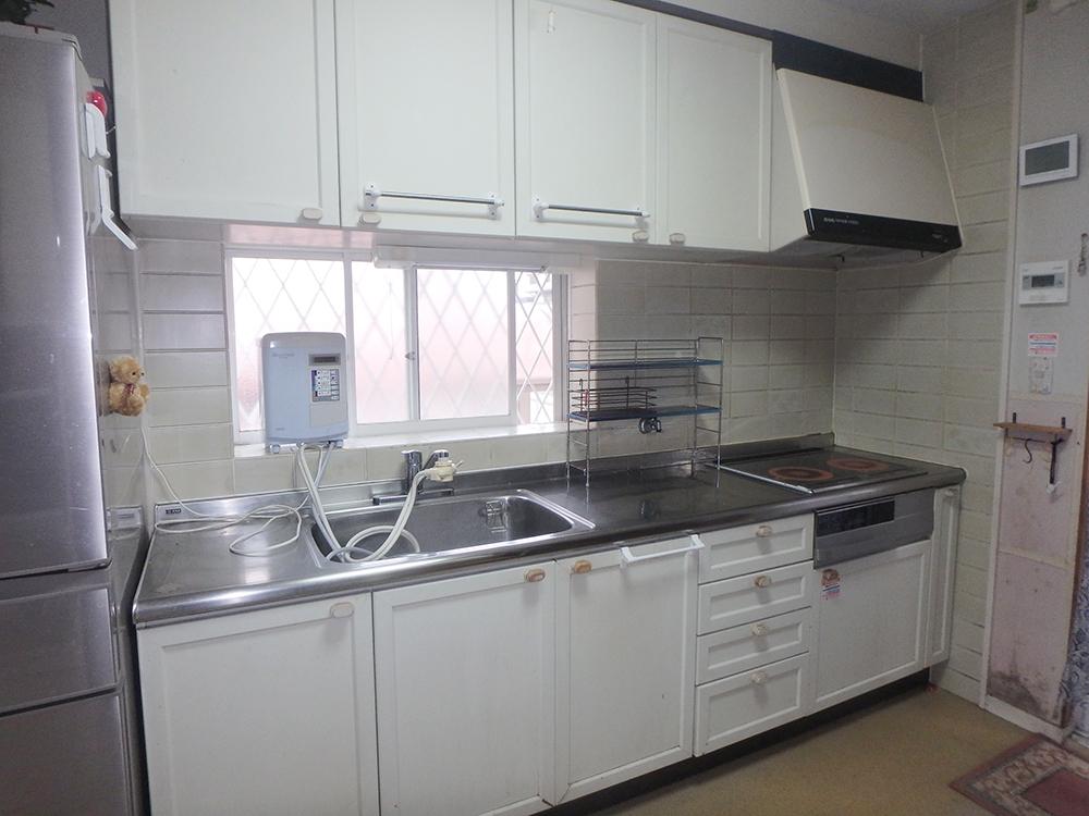 長く使われていたキッチン。