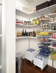 食品や食器など大容量収納♪
